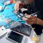 LCD Handphone Hancur, Ganti Aja di Lasercom